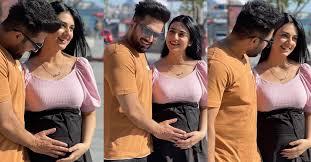 Pakistani actress Sarah Khan announces pregnancy,