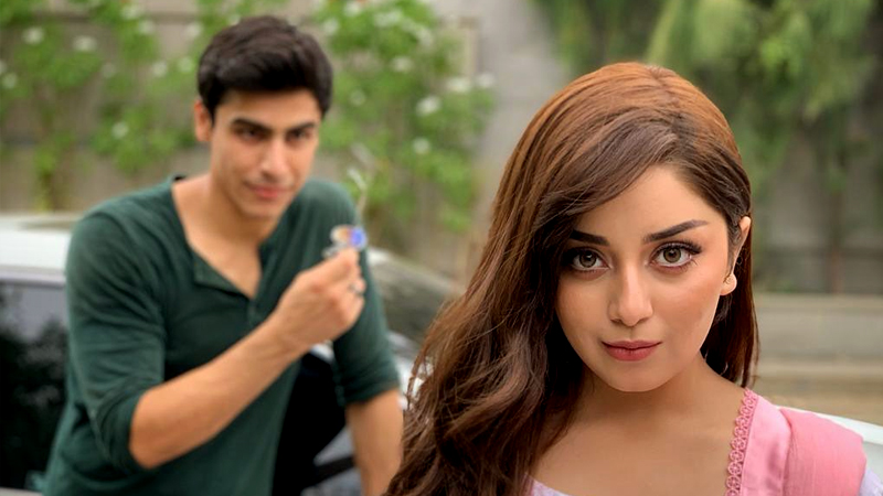 Alizeh Shah to share the screen with Midsummer Chaos' Khushhal Khan